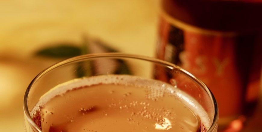 Schaumwein Rosé quadratisch