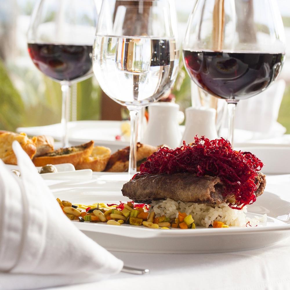 Wein-Speisen quadratisch